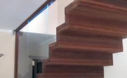 Dywanowe-Merbau-szyba-bezpieczna-hatrowana-do-stropu-wpuszczana–(10)