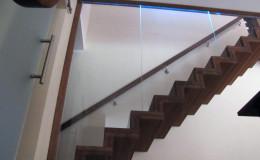Dywanowe-Merbau-szyba-bezpieczna-hatrowana-do-stropu-wpuszczana–(6)