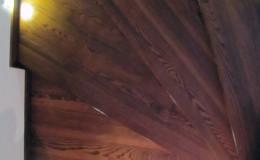 Rumia-Jesionowe-na-beton-z-podstopniami-jesionowe-z-listwowaniem-(7)
