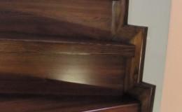 Rumia-Jesionowe-na-beton-z-podstopniami-jesionowe-z-listwowaniem-(8)