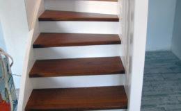 schody-q-styl-angielski-schody-jesionowe-teak-reszta-bialo-rypin-1