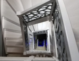 Schody-Q – jesionowe bielone, konglomerat LVL