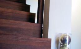 Dywanowe-Merbau-szyba-bezpieczna-hatrowana-do-stropu-wpuszczana–(1)