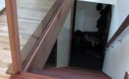 Dywanowe-Merbau-szyba-bezpieczna-hatrowana-do-stropu-wpuszczana–(12)
