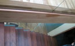 Dywanowe-Merbau-szyba-bezpieczna-hatrowana-do-stropu-wpuszczana–(4)