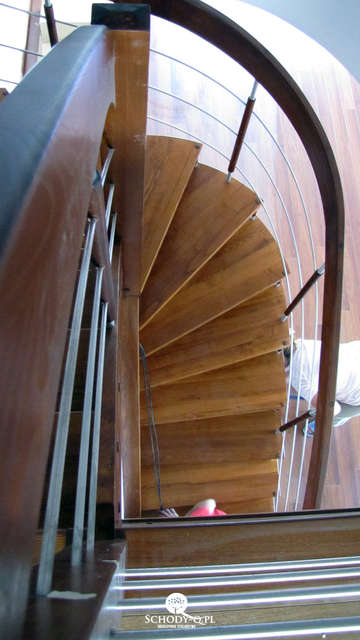 Schody samonośne, gięte, teak - Stairs Q