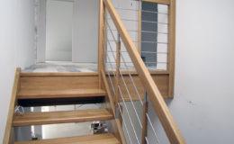 schody-q-debowe-z-podestem-kolor-giovanni-bpa-06-prety-inox-24