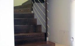 schody-q-dywanowe-jesionowe-orzech-porecz-okragla-plock-11