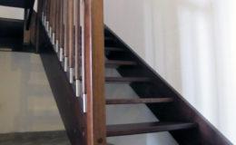 schody-q-jesionowe-z-podestem-tralka-walek-kwas-2