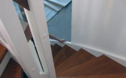 schody-q-styl-angielski-schody-jesionowe-teak-reszta-bialo-rypin-3