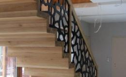 schody-q-dywanowe-debowe-konglomerat-lvl-malowane-na-czarno-22