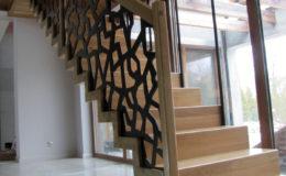 schody-q-dywanowe-debowe-konglomerat-lvl-malowane-na-czarno-25