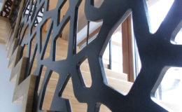 schody-q-dywanowe-debowe-konglomerat-lvl-malowane-na-czarno-5