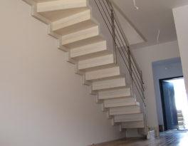 Schody dywanowe – Jesion bielony – Gdańsk