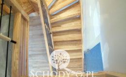 Schody-Q-Jesionowe-Policzkowe-samonosne-Olejowane–Balustrada-Czarne-prety-stal-Slupno–(6)