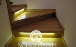 Schody-Q-Na-beton-Debowe-natura-(-czarne-zaprawki)-balustrada-LVL-biala-(13)