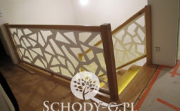 Schody-Q-Na-beton-Debowe-natura-(-czarne-zaprawki)-balustrada-LVL-biala-(6)